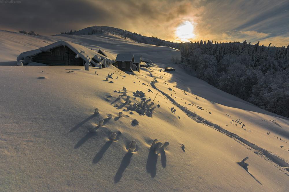 Зі святом всіх!!!День гір як не як)) Автор: Михайло Ременюк