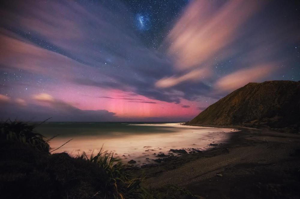 """2 """"Показатель света"""". Южное побережье Веллингтоне, Новая Зеландия. Автор - MARK GEE."""