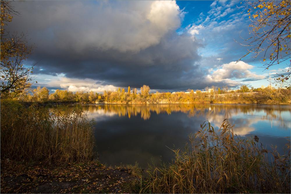 Про хмару та осінь. Автор: Сергей Гончаров