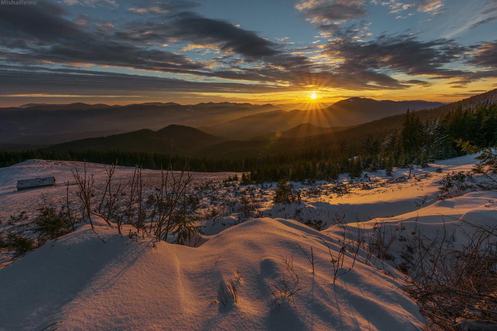 Схід Сонця на Лабєсці Автор: Михайло Ременюк