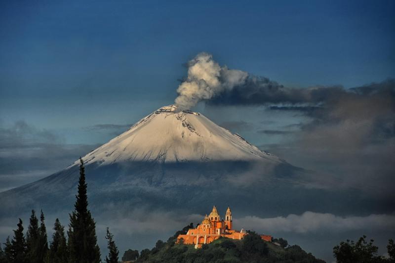 1 Вулкан Попокатепетль. Источник: Cristobal Garciaferro Rubio.