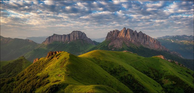 Гора Ачешбок (Чертовы ворота). Автор: Юрий Шевченко