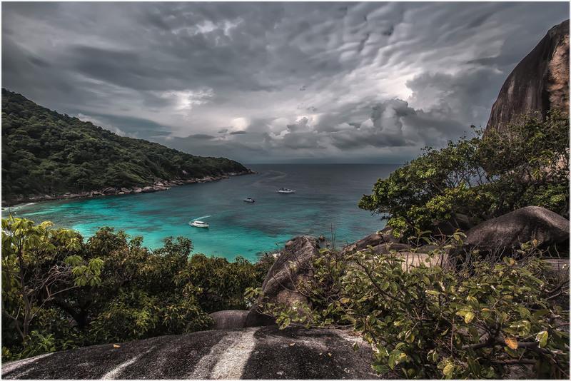 Симиланские острова...Таиланд.(ноябрь 2013г.). Автор: Александр Вивчарик