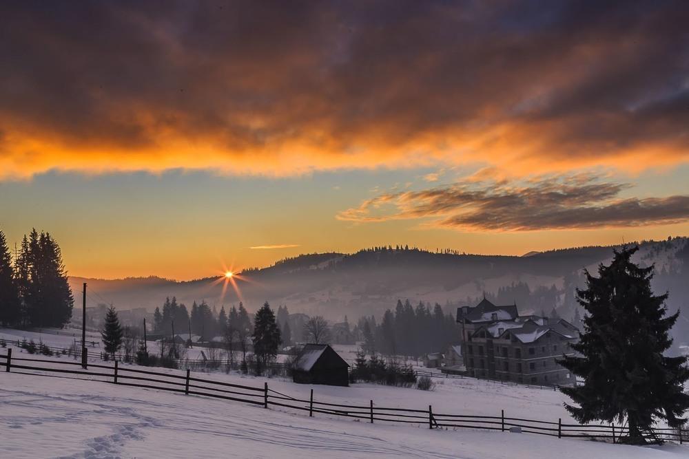 Схід сонця в Буковелі 2020 Автор: Андрій Косенко