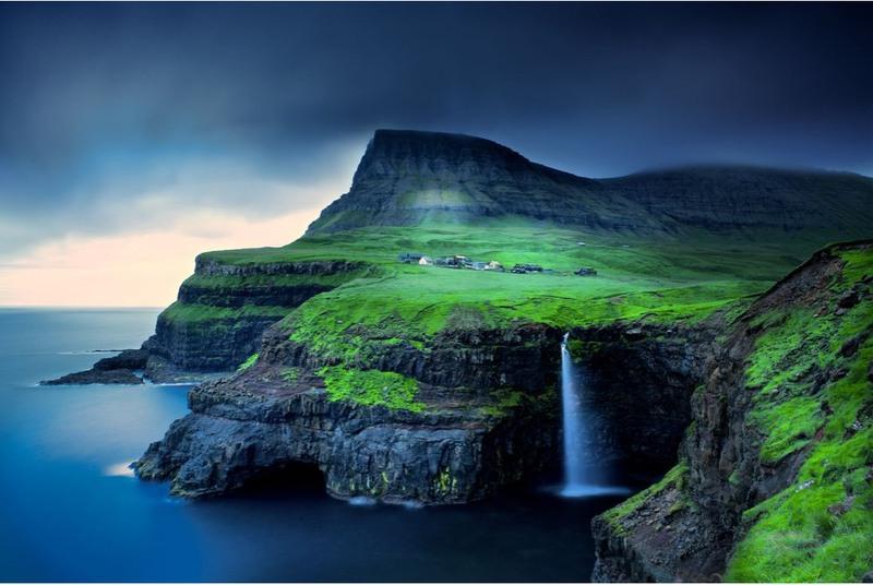 22 Водопад Гасадалур, Фарерские острова. Автор - Тревор Коул.