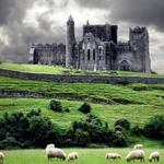 1  Древняя резиденция королей Ирландии - скала Кашел. Источник: listofimages