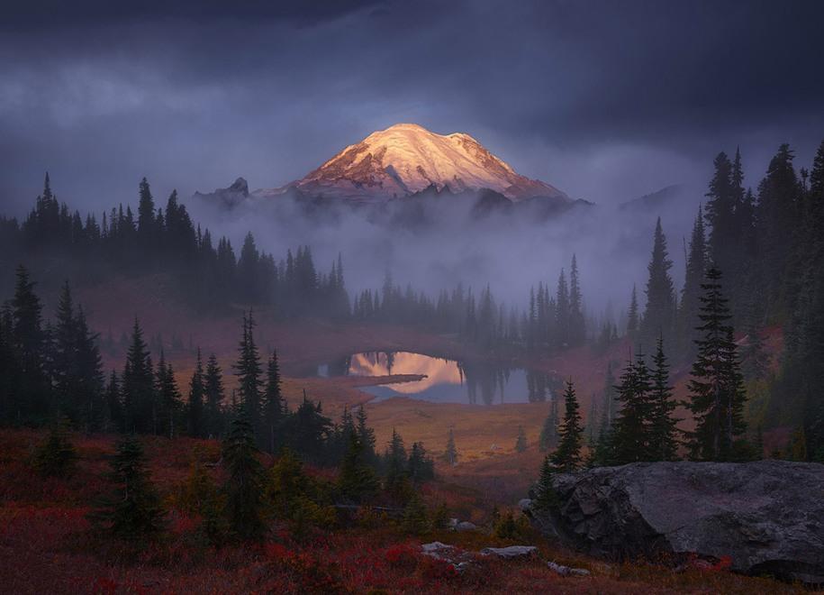 1 Победитель конкурса на Лучшие пейзажи Америки 2016 года. Восход на озере в штате Вашингтон. Автор: Alex Noriega