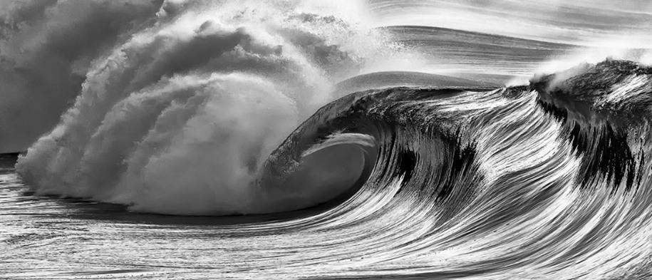 22 «Черно-белое», 1 место. Волны на Гавайях. Автор: Terry Koyama