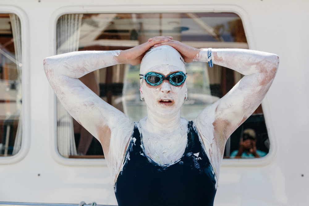 35 Сентябрь. The swimmer Kim Chambers was covered in zinc oxide sunscreen before she attempted a 93-mile marathon swim from Sacramento to Tiburon.Jason Henry