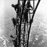 8 Эйфелева башня, 1932.