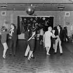 14 «Битлз» играют для 18 человек в клубе британского городка Олдершот, декабрь 1961 года. Через полтора года они станут суперзвёздами.