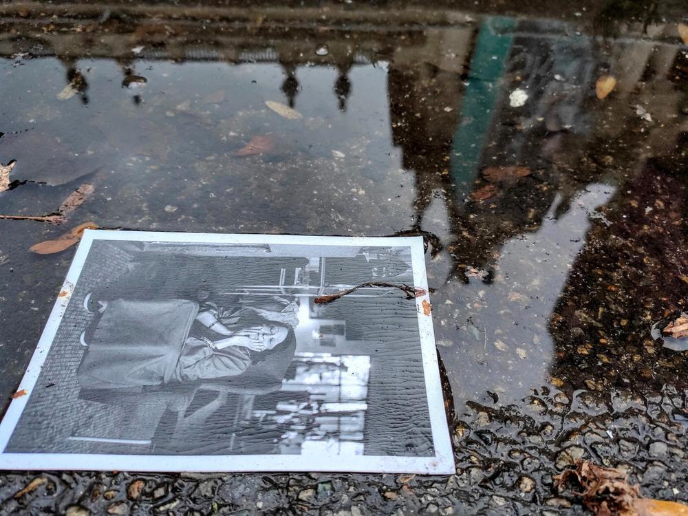 6  Лужа...Случайно найденная открытка... В отражение здание Grand Palais, где проходила выставка Paris Photo 2019 Больше фото с мероприятия https://m.facebook.com/groups/166176366754756 ? view=permalink&id=2677092128996488  https://photographers.ua/topic/paris-photo-62    96/