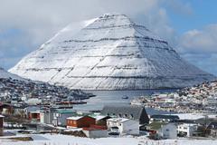 1 Второй по величине населённый пункт Фарерских островов — Клаксвик. Автор - Erik Christensen.