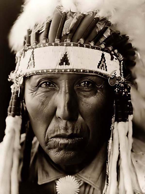 Картинка старого индейца