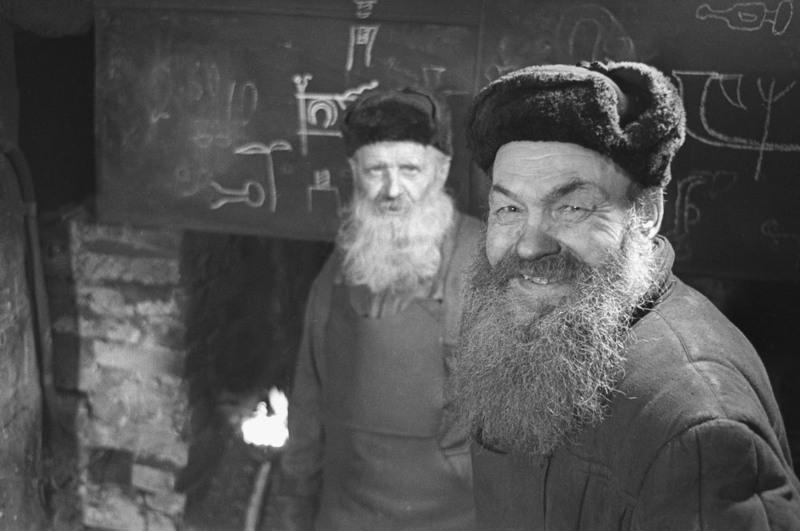 4 Псковские кузнецы. 1965 год.