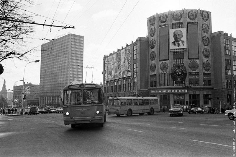 13  Улица Горького.