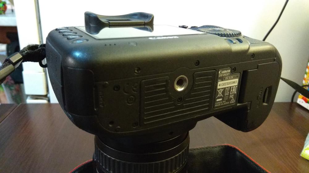 Продам Canon 5d mark 3 (body)