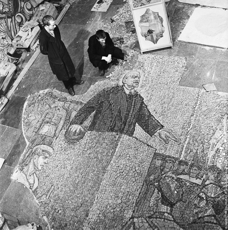 17 Мозаика для станции метро «Комсомольская». 1964 год.