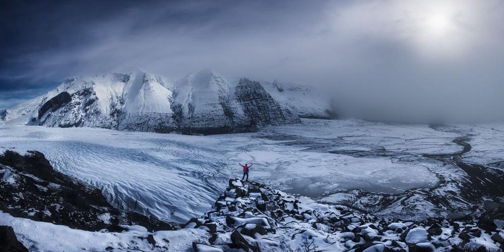 9 Поощрительная премия Странник Автор фото: Carlos F. Turienzo. Место: Скафтафедль, Исландия.