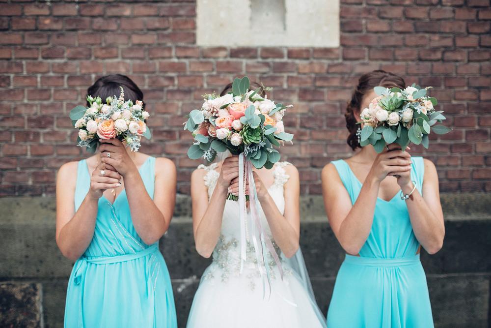Весільна фотозйомка – це спільна робота наречених та фотографа