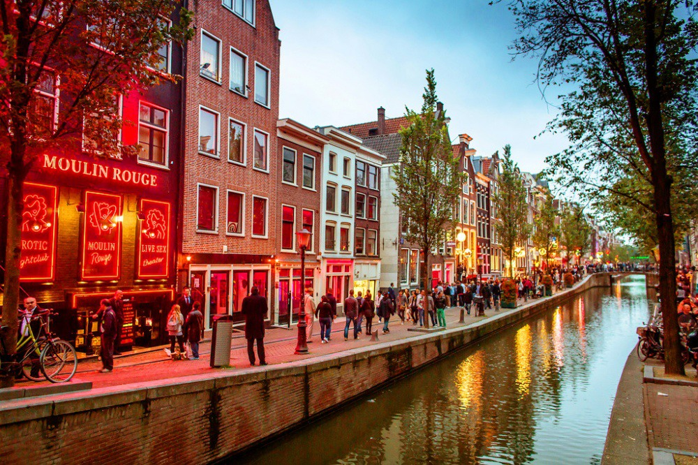 1 Знаменитый «квартал красных фонарей» Де Валлен. Источник: Eole Wind