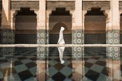 """1 Этот загадочный кадр,автором которого является японский фотограф Такаши Никагава,занял 1 место на конкурсе """"Города"""" ,на снимке г.Маракеш,Марокко."""