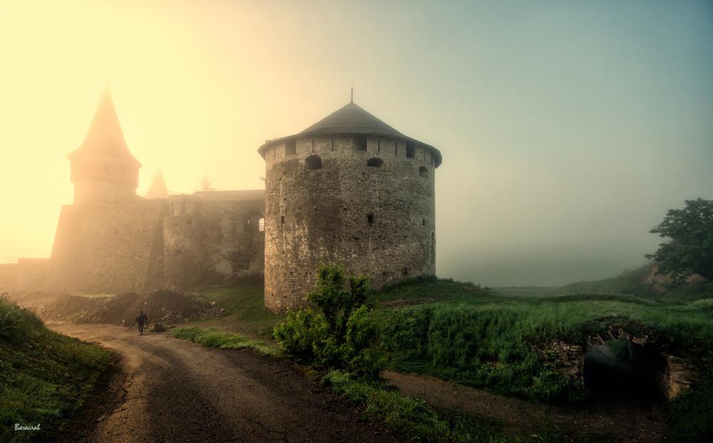 Світанковий сон старої фортеці Автор: Вячеслав