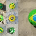 4 Мячи, оформленные в цвета бразильского флага.