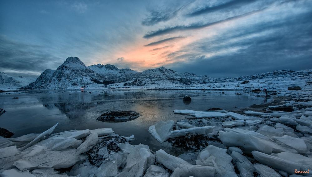 Світанок на далекому озері Автор: В'ячеслав