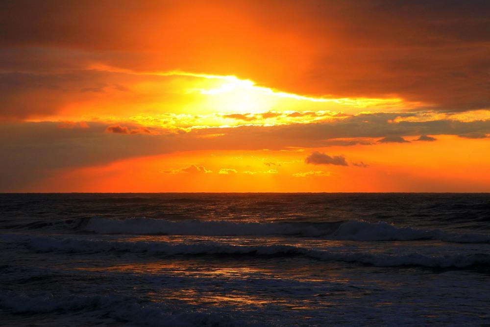 Оранжевое небо. Автор: Ольга.