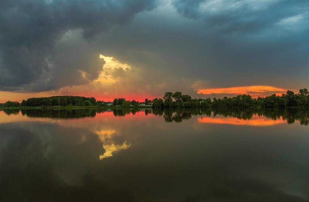 Кольоровий захід сонця Автор: Андрій Косенко