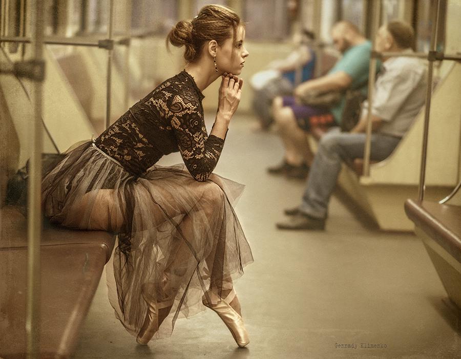 Утро в метро Автор: Геннадий Клименко