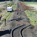 2. Железнодорожные рельсы в Новой Зеландии после землетрясения 2010 года. Источник: ipenz.