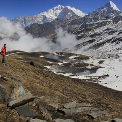 У горах хотів би я жить, З гори на долину хотів би сходить.
