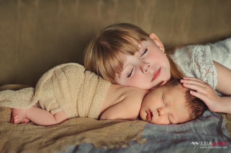 интимные истории младшая сестра и брат