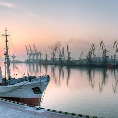 Рассвет в порту Одессы