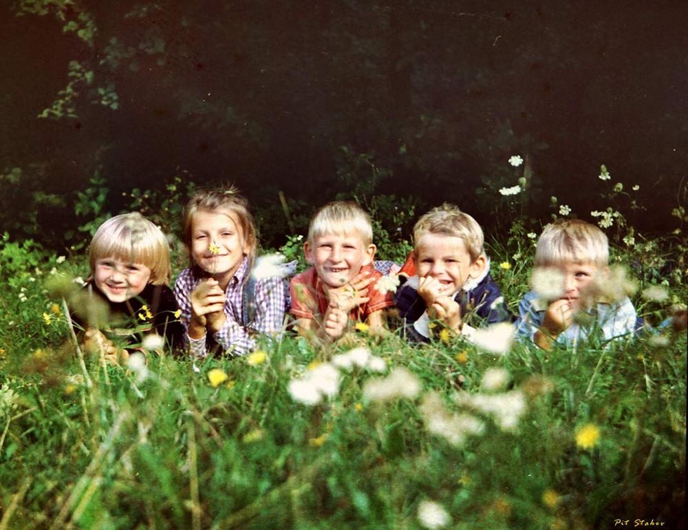картинки про дитинство обеднение