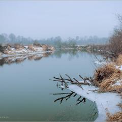 Тече річка...