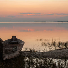 Човник і озеро...