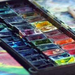 Раскрашу красками картину серых будней (с)