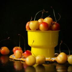 С жёлтыми черешнями