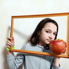 Такое огромное яблоко