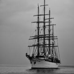 ...плыву к тебе...на белом корабле...