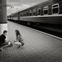 пока поезд стоит