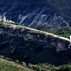 Монастырь в Старом Орхее