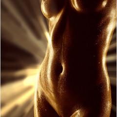 Красота обнаженного нежного тела...