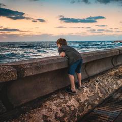 У моря погоды ...
