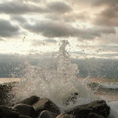 Волны были разные