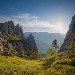 Скалы Тарах-Хая