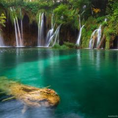 Хорватия. Плитвицкие озера. Водопад.